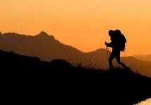 Tips Mendaki Gunung Aman dan Menyenangkan Bagi Pemula