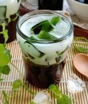 Fresh Drink Recipes, How to Make Cincau Ice from Daluman Leaves