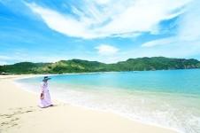 Keindahan Pantai Kuta di Lombok, Bener deh Kalian Wajib Kesini dan Rasakan Keindahannya