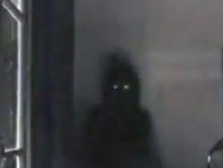 Hantu Kepala Buntung yang Berkeliling Mencari Kepala